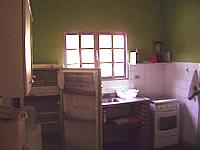 <a class='Link' href='click.asp?local=Capa2, S�o Sebasti�o&IDCadastro=4232' target='_blank'><img src='http://www.cdpisite.com.br/icones/busca_oferta.gif' width='22' border='0'></a>Casa em Camburyzinho, S�o Sebasti�o